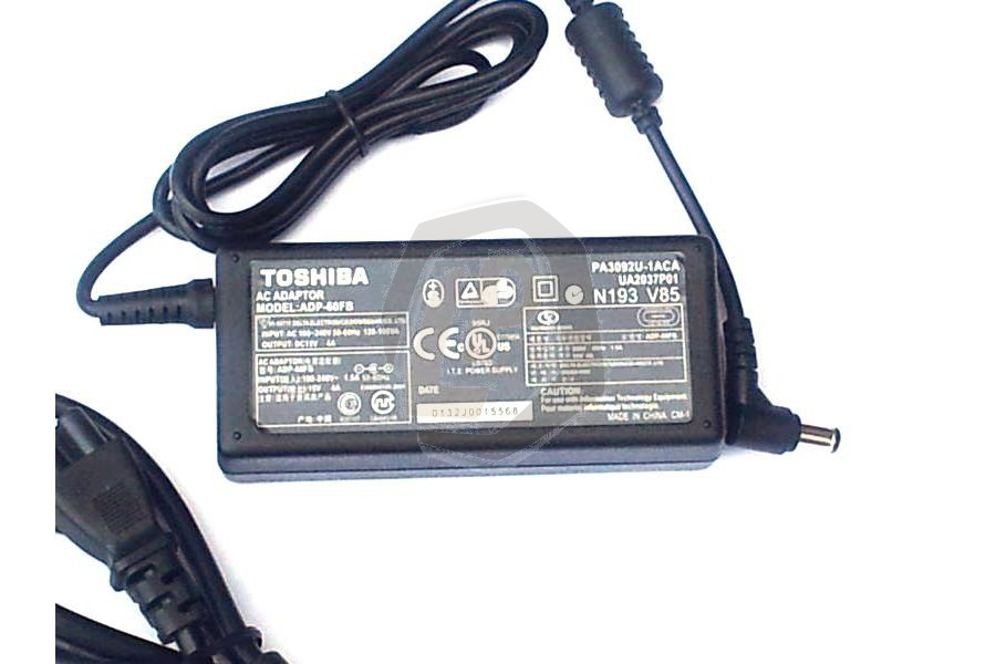 Laptop adapter TOSA03